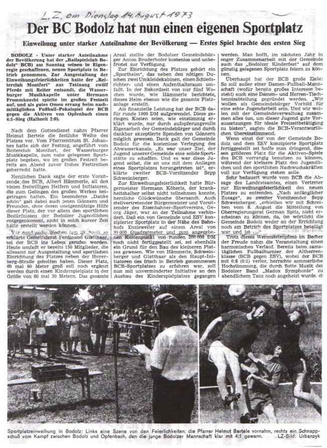Sportplatz-Zeitungsartikel