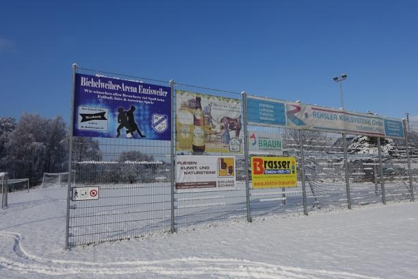 sponsoren-zaun-winter