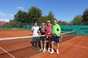Einzelclubmeister v.r. Jürgen Gabelberger und Doppelclubmeister v.l. Andre Mertz und Walter Zorec